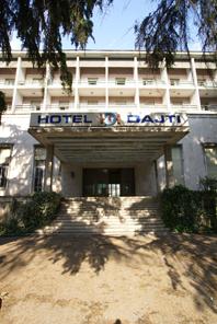 Hotel Dajti – Eingang (2009)